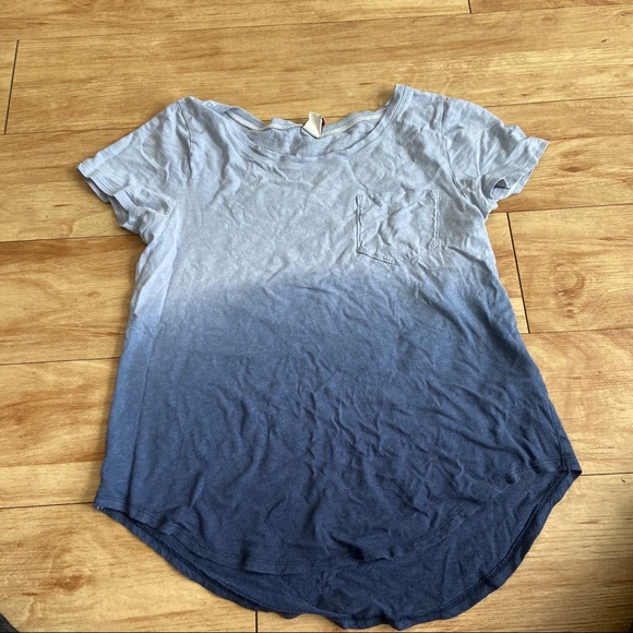 Hollister Tops - Ombré Hollister Blue T shirt